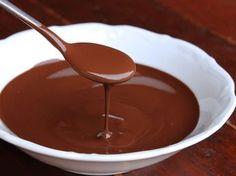 chocolat noir, crème liquide, beurre