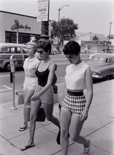 Hot Days In California Then. #Fashion #Old #Style #Checkered #Short #Black&White #Beautiful #Walk #Family #Outfits