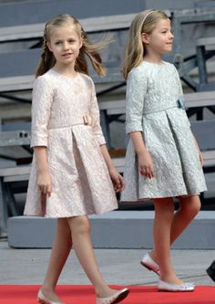 (L-R) Princess Leonor and her younger sister Infanta Sofia arrive to parliament during the swearing-in ceremony of Spain's new king Felipe VI, 19.06.2014, in Madrid, Spain.