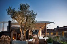 The Boundary Roof Terrace in London features in Urbanologie's Best Rooftop Bars and is a perfect for a party with a wow factor. London Rooftop Bar, Best Rooftop Bars, Rooftop Restaurant, Rooftop Terrace, Rooftop Design, Rooftop Decor, Rooftop Lounge, Bar Lounge, London Hotels