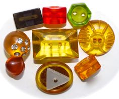 9 Tested Bakelite Buttons - Transparant by KPHoppe on Etsy
