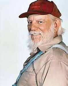 Denver Pyle as Uncle Jesse Duke in The Dukes of Hazzard 70s Tv Shows, Movies And Tv Shows, Oncle Jesse, Denver Pyle, Dukes Of Hazard, John Schneider, Catherine Bach, Cinema, Thanks For The Memories