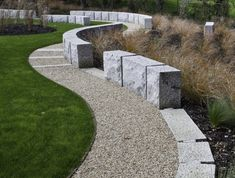 Modern landscape @ Saratoga Creek House in California by WA Design