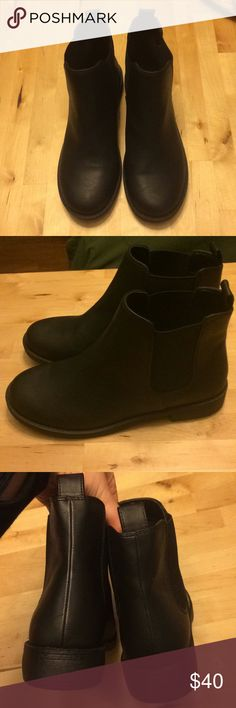 H&M black boots, 40, NWOT H&M boots. Size 40. NWOT.  the size chart on H&M said a 40 is a size 8.5 other sites have said otherwise I am a size 8.5 and I thought these fit fine with socks  goes with everything cute fit worn once in the house 🏠  great condition  bundle and save 🌵 H&M Shoes