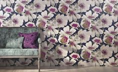 Lively Floral Print Wallpaper