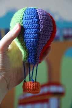 INSPIRATION : crochet hot air balloon. good for mobile