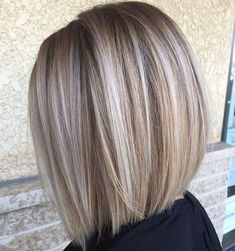 Blunt Blonde Balayage Bob Best Picture For light brown hair color ideas For Your Taste You are looki Blonde Balayage Bob, Bronde Hair, Bronde Bob, Short Balayage, Balayage Highlights, Ash Blonde Bob, Medium Blonde Bob, Blonde Foils, Dark Blonde