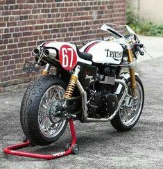 Triumph Thruxton R Triumph Motorbikes, Triumph Motorcycles, Custom Motorcycles, Custom Bikes, Triumph Bonneville, Moto Cafe, Cafe Bike, Custom Cafe Racer, Cafe Racer Build