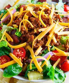 Recetas de ensaladas para los que odian comer ensaladas: ensalada  de hamburguesa.
