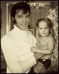 """Photoshop for sure. Who does this?!! 