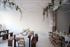 homemadeinn via esb - need a dining table and boughs