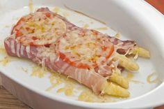 Bílý chřest zapečený s rajčaty, sušenou šunkou a parmezánem Tuna, Sausage, Fish, Recipes, Diet, Asparagus, Sausages, Pisces