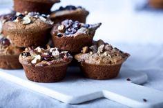 Kitchenette — Mrkvovo-jablečné celozrnné muffiny Kitchenette, Sweet Recipes, Carrots, Sweet Treats, Sweets, Apple, Breakfast, Cupcake, Food