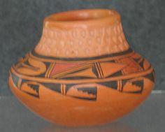 MARCELLA KAHE pot for sale