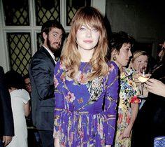 Andrew Garfield photobombing Emma Stone