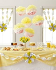 Lemon yellow party decor – perfect for a fancy 30th birthday or a summer party.
