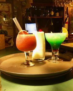Daiquiri de fresa, piña colada y Atlantico. Margarita, Tableware, Pina Colada, Strawberries, Cocktails, Dinnerware, Dishes, Margaritas, Place Settings
