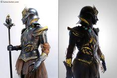 Armadura cosplay de fantasía medieval realizada con un elegante estilo femenino