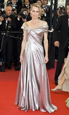 Robin Wright  in Elie Saab, 2009  Photo: © Getty Images