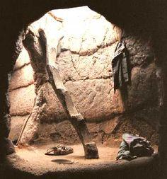 Interior de una sukala Lobi, en Burkina Fasso