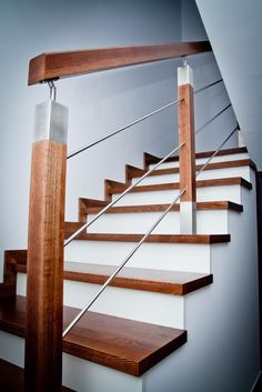 Wooden Staircase Railing, Stair Railing Design, Steel Railing, Glass Railing, Stairs, Home Decor, Modern Kitchens, Banisters, Staircases