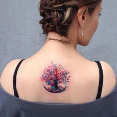What is a watercolor tattoo and what are the pros and cons of watercolor tattoos? Undoubtedly this style is one of the most spectacular forms of body art. Stylish Tattoo, Trendy Tattoos, Small Tattoos, Flower Tattoos, Feminie Tattoos, Small Meaningful Tattoos, Luna Tattoo, Tattoo Life, Roots Tattoo