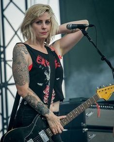 Rockabilly Guitar, Brody Dalle, Nancy Wilson, Women Of Rock, Guitar Girl, Female Guitarist, Rock N Roll, Rock Girls, Rock Chick
