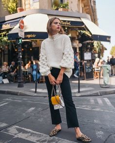 41 Cute Winter Outfit For Street Style To Wear Now Source by winter outfits European Street Style, Italian Street Style, Nyc Street Style, Rihanna Street Style, Printemps Street Style, Model Street Style, Street Mall, Street Style Summer, Street Styles