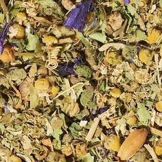 L'infusion Empire des Songes est le mariage des plus belles fleurs d'Asie, dont l'une des plus emblématique d'entre elles : l'Oranger Bigaradier. Avec ses notes fleuries miellées délicates, cette infusion bio sera idéale en soirée pour vous relaxer et vous aider à retrouver un sommeil de qualité. #thesdelapagode #sommeil #infusion #bio #organic #herbaltea #camomille
