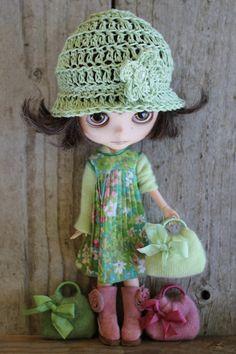 Linen hat by Cooperdolls Wwuggs by Wuggleland Wwendalyne Frankie Vintage dress