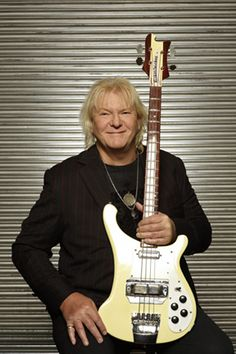 Chris Squire of Yes with his signature Rickenbacker 64cs 4001 bass. Toaster and Horseshoe pickups respectively!