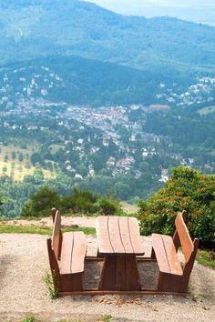 Auf dem Merkurberg gibt es auch Picknickplätze mit Aussicht auf Baden-Baden