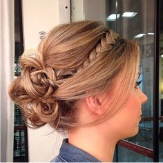 long curly hair styles for summer Bridesmaid Hair, Prom Hair, Long Curly Hair, Curly Hair Styles, Up Hairstyles, Braided Hairstyles, Unique Wedding Hairstyles, How To Make Hair, Hair Dos