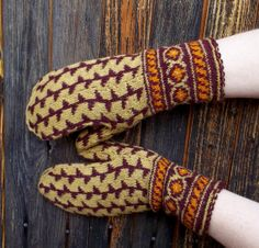 hand knitted brown wool mittens knit by peonijahandmadeshop, $44.00