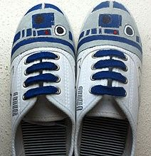 R2-D2-Hand-Painted-Sneakers