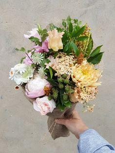 Honeycomb bouquet from @Petalon  Peony, Chrysanthemum, Rose, British Lisianthus mix, Achillea, English Santini, Scabious, Astrantia, Grevilia, Blackberries, Pieries, Hornbeam & Pitto Hipster Wedding, Achillea, Astrantia, Chrysanthemum, Honeycomb, Peonies, Wedding Flowers, Floral Wreath, Wedding Inspiration