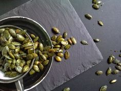 Savory roast pumpkin seeds Savoury roasted pumpkin seeds make an ideal snack for nibbling on or for adding crunch to a salad. Yummy Snacks, Healthy Snacks, Healthy Eating, Yummy Food, Roasted Pumpkin Seeds, Roast Pumpkin, Cooking Recipes, Diabetic Recipes, Healthy Recipes