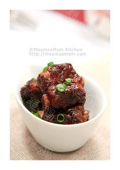 Braised ribs in balsamic and soy sauce 家常烧排骨 | MaomaoMom Kitchen 毛毛妈厨房