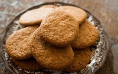Cinnamon Snap Cookies Crispy cookies packed with ground cinnamon and sweetened with honey. Favorite Cookie Recipe, Cookie Recipes, Dessert Recipes, Favorite Recipes, Ginger Cookies Recipe Without Molasses, Ginger Snap Cookies, Molasses Recipes, Biscuits, Desert Recipes