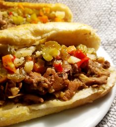 Slow Cooker Vegan Italian Beef - This is one hearty, US Midwestern sandwich. Slow simmered jackfruit and seitan in a homemade spicy broth! Seitan Recipes, Vegan Crockpot Recipes, Jackfruit Recipes, Slow Cooker Recipes, Cooking Recipes, Jackfruit Dishes, Italian Beef Sandwiches, Vegan Sandwiches, Vegetarian Italian