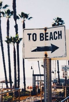 LOVE THIS beach sign - makes me so excited for summer and living at the beach!!!