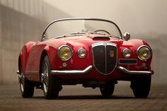 Stylish convertibles > Lancia Aurelia B24 Spider America