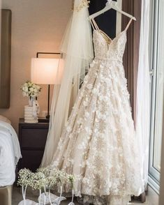 White lace party dresses, lace party dresses, party dresses with appliques, backless bridal gown - Mode Wedding Lace Party Dresses, Dream Wedding Dresses, Evening Dresses, Dress Lace, White Dress, Bridesmaid Dresses, Prom Dresses, Wedding Wishes, Wedding Day