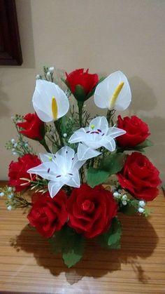 Nylon Flowers, Satin Flowers, Diy Flowers, Fabric Flowers, Paper Flowers, Christmas Flower Arrangements, Flower Arrangements Simple, Orchid Arrangements, Flower Crafts