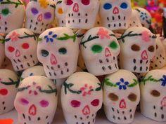 Mini calaveras de alfeñique by MaLuMaPe, via Flickr