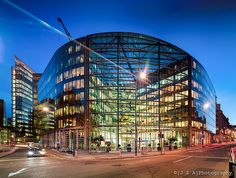 Foster + Partners' 33 Holborn - another very fine example of how corporate architecture can enliven the street