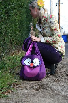 I want this purple owl bag!