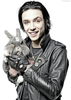 Omfg this is adorable - the rabbit's kinda cute too XD haha