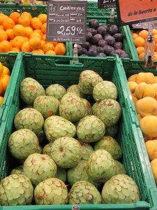 Con el otoño llegan las chirimoyas desde la Costa Tropical de Granada. La chirimoya es una fruta muy rica en potasio y muy bajo en sodio, muy saludable