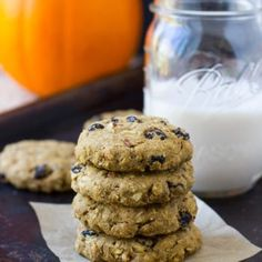 Pumpkin Breakfast Cookies- soft, chewy and packed with pumpkin spice flavor! {gluten-free and vegan} (Breakfast Cookies) Pumpkin Yogurt, Paleo Pumpkin Pie, Pumpkin Recipes, Cookie Recipes, Pumpkin Spice, Healthy Pumpkin, Fun Recipes, Recipe Ideas, Recipies